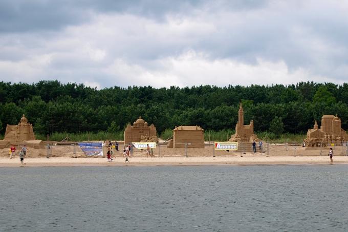 Plavba kolem Gdaňska - stavby z písku